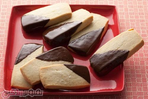 نان، شیرینی، دسر  , طرز تهیه بیسکویت شرت برد با سس کارامل و کاور شکلاتی • بیسکویت توییکس