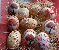 نقطه کوبی روی تخم مرغ , تزیین تخم مرغ با نقاشی نقطه ای