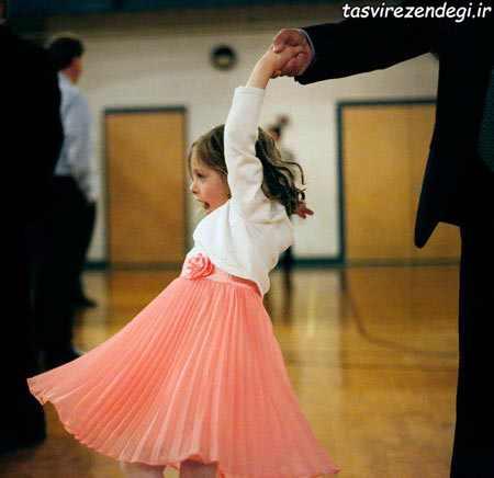 رقصیدن پدر با دخترش