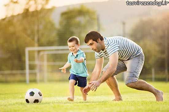 بازی فوتبال پدر با پسرش