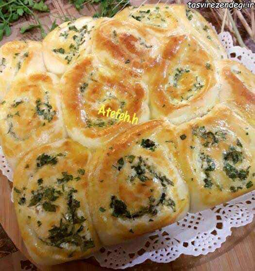 طرز تهیه نان سیر پنیر جعفری