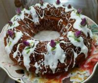 طرز تهیه کیک خرما و گردو