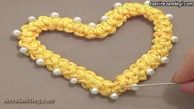 سوزن دوزی رومانی , بافت موتیف قلب با توری تک شبکه