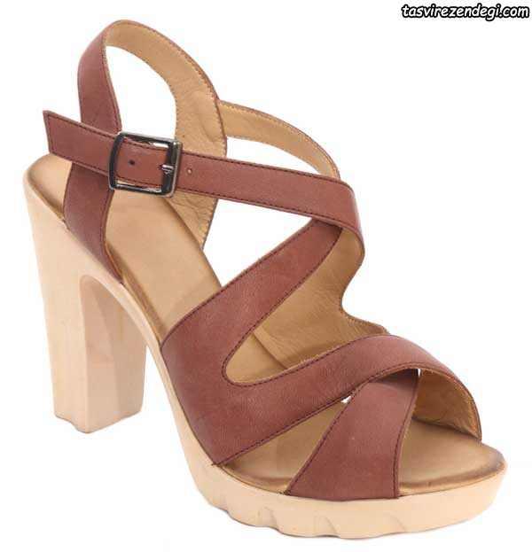 کفش تابستانی پاشنه دار شکلاتی رنگ