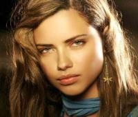 عکس سوپر مدل برزیلی آدریانا لیما