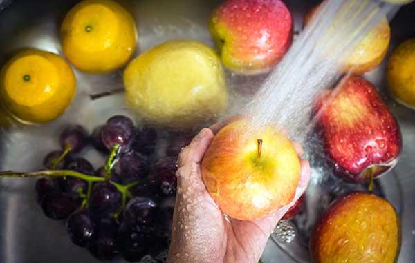 نحوه شستن میوه ها