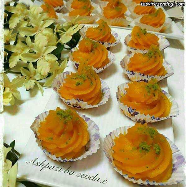 تزیین حلوا هویج با قیف