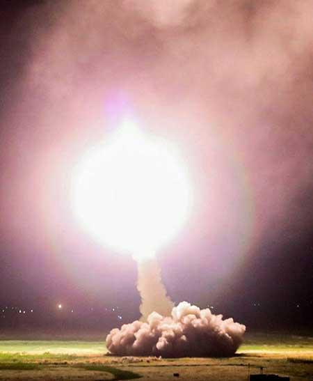 عکس حمله موشکی ایران با موشک ذوالفقار به داعش