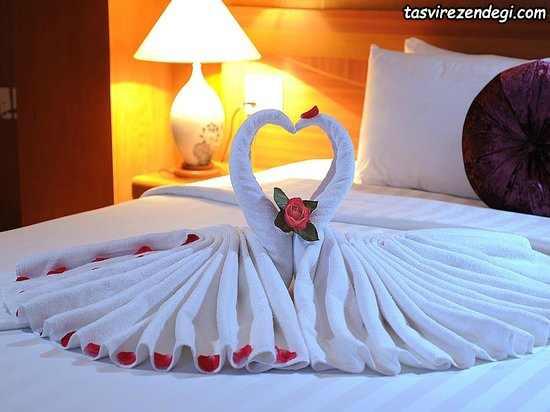 تزیین حوله عروس به شکل پرنده