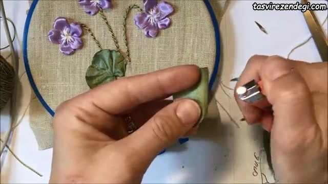 آموزش تصویری روبان دوزی شاخه گل
