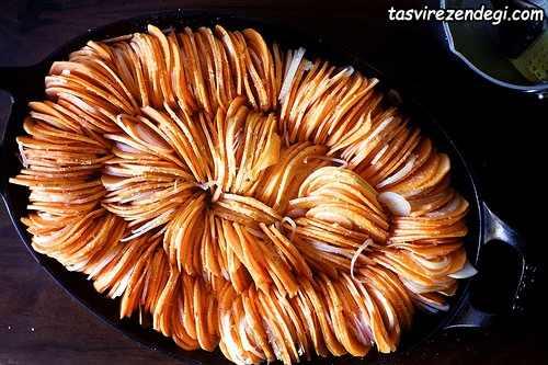 پخت چیپس سیب زمینی در فر