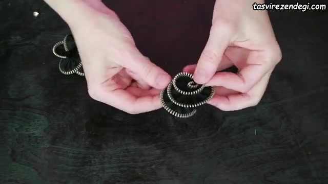 آموزش ساخت سنجاق سینه با زیپ