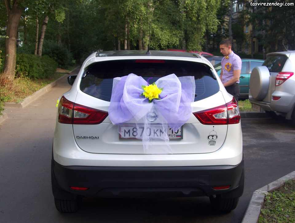 تزیین پشت ماشین عروس داماد