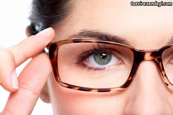 تمیز کردن شیشه عینک به روش حرفه ای ها را یاد بگیرید