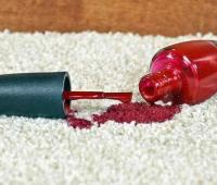 پاک کردن لکه لاک از روی فرش
