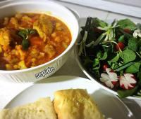 خوراک سبزیجات و مرغ