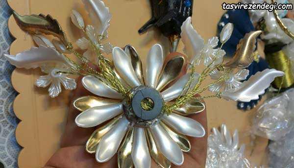 ساخت گل کنار سینی کریستالی
