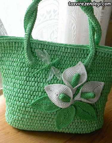 کیف زنانه قلاب بافی سبز روشن تزیین شده با گل سفید