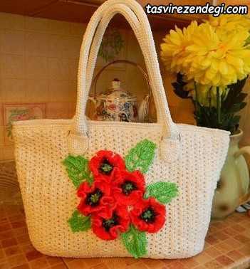 کیف زنانه قلاب بافی تزیین شده با گل و برگ