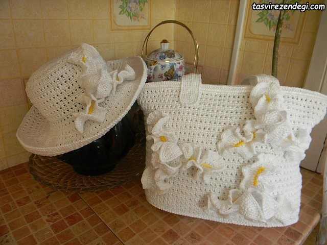 کلاه و کیف زنانه قلاب بافی تزیین شده با گل