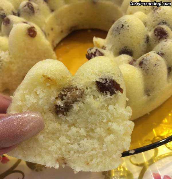کیک بدون فر کشمشی و گردویی