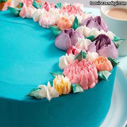 تریین کیک با گلهای خامه ای