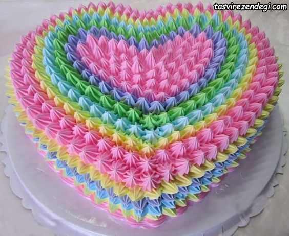 تریین کیک رنگین کمانی
