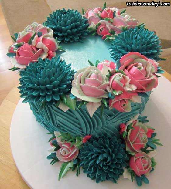 تریین کیک با ماسوره و خامه های رنگی
