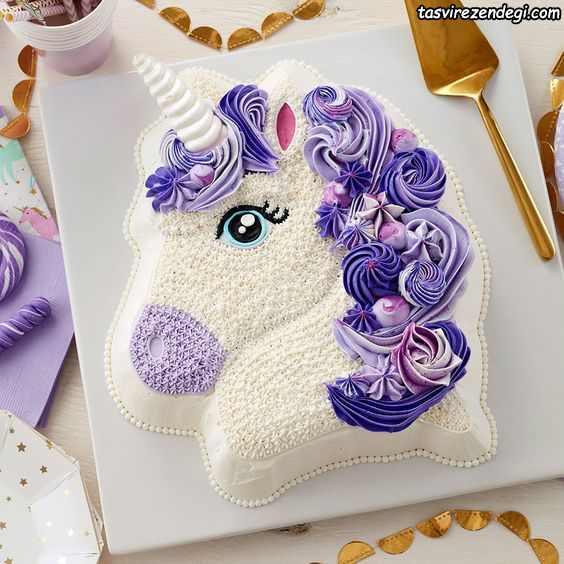 تزیین کیک تولد به شکل اسب