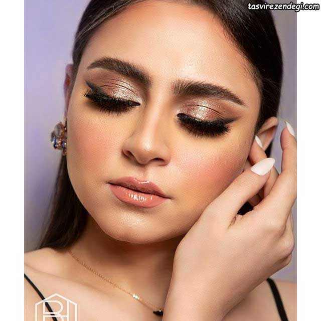 آرایش صورت عربی با سایه براق