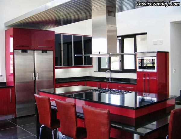دکوراسیون آشپزخانه نقره ای و قرمز