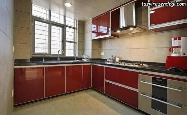 دکوراسیون آشپزخانه طوسی و قرمز