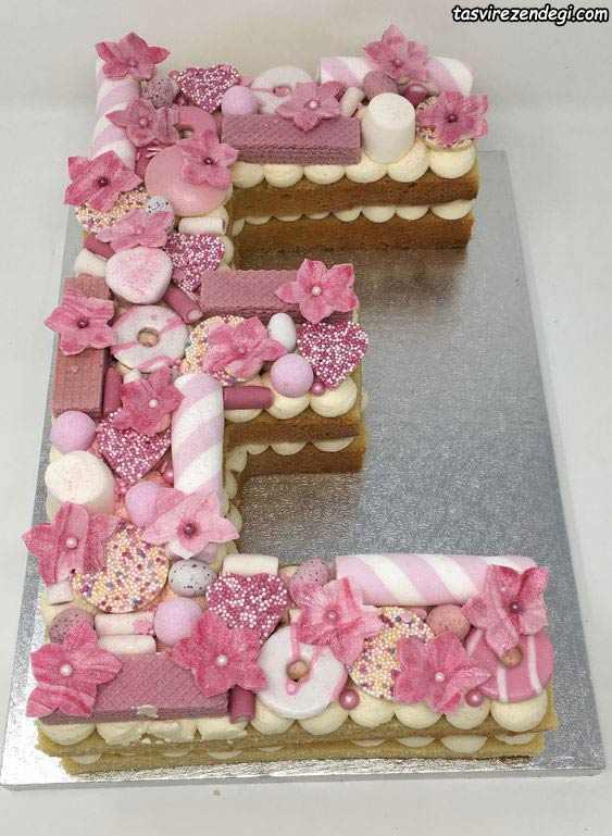 تزیین کیک بیسکویت E