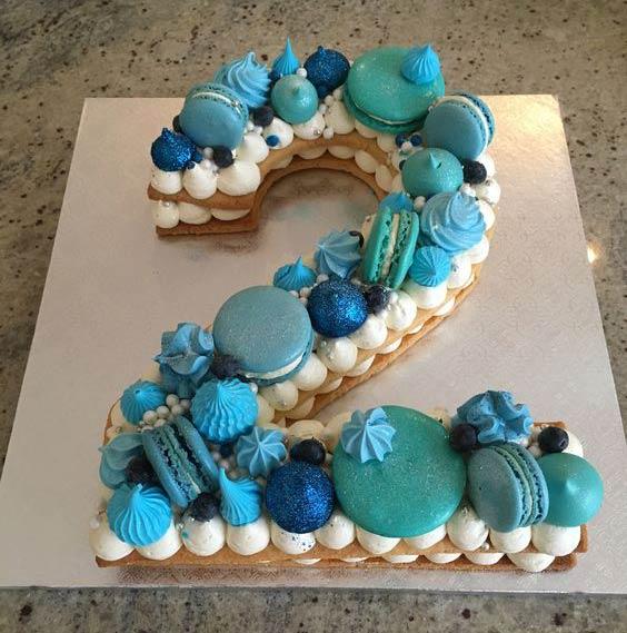 تزیین بیسکو کیک تم آبی