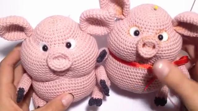 عروسک خوک قلاب بافی