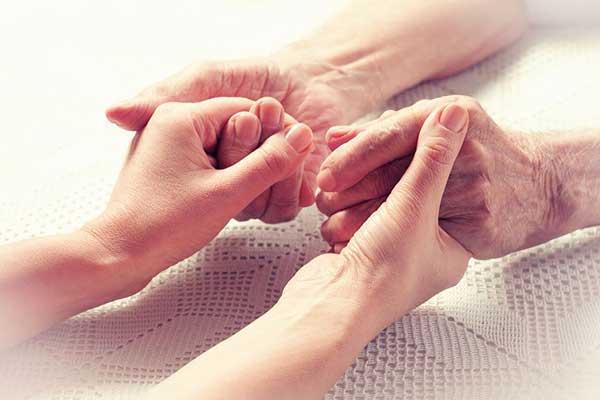 پرستار سالمند بایستی کمبود محبت احتمالی فرد سالخورده رو جبران کند