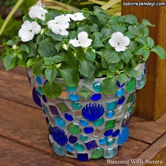 تزیین گلدان با نگین سنگ
