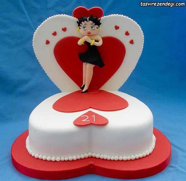 کیک روز دختر قلبی شکل