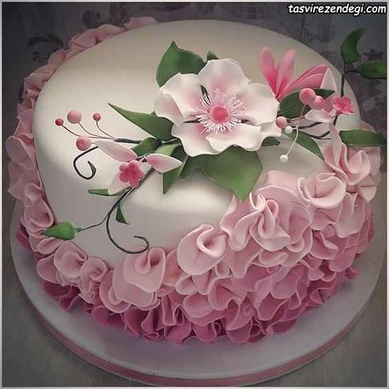 کیک روز دختر گل صورتی