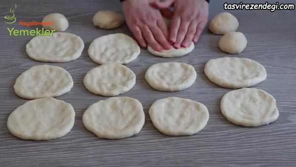 طرز تهیه نان پواچای سیب زمینی