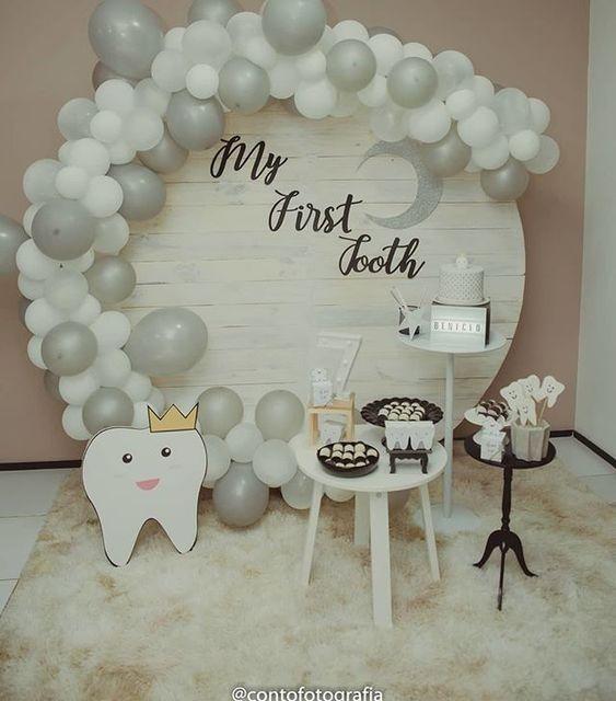 تم سفید تزیین میز جشن دندانی