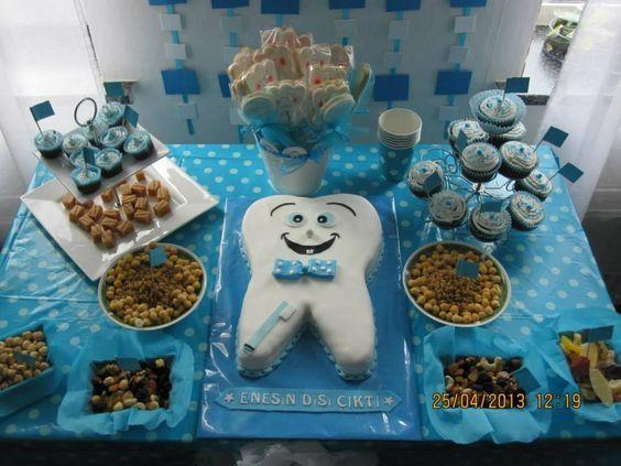 تم آبی تزیین میز جشن دندانی