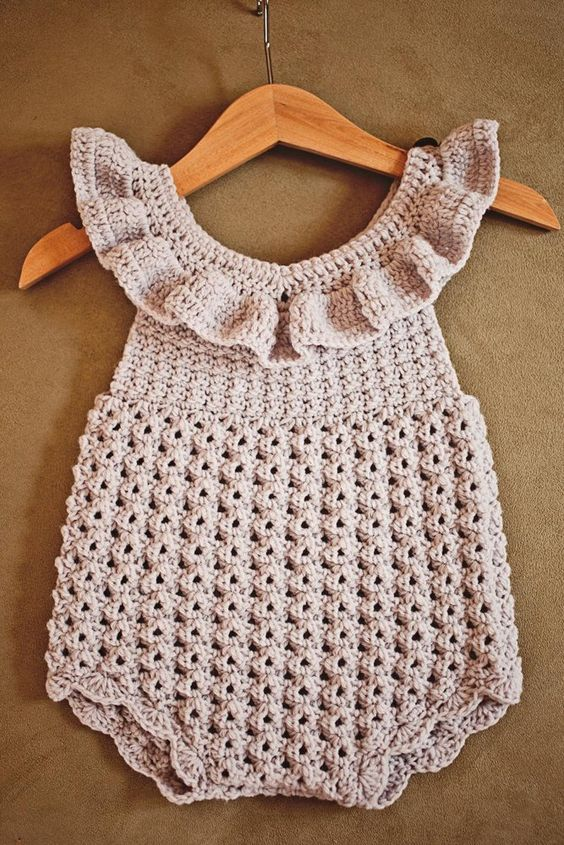 مدل رامپر بافتنی نوزادی بچگانه دخترانه صورتی روشن