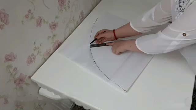 رسم دایره برای دوخت تشک گرد گارد دار