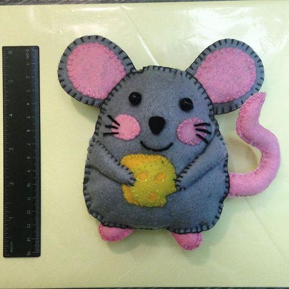 مدل موش نمدی با پنیر