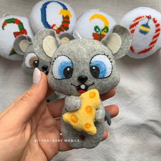 مدل موش نمدی چشم آبی