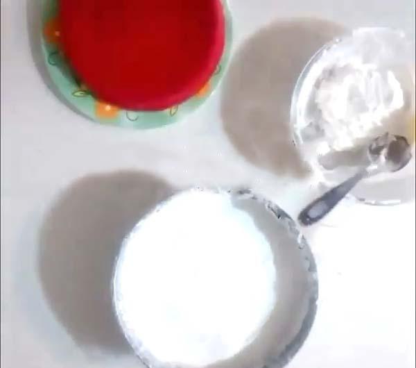لایه بستنی بین کیک