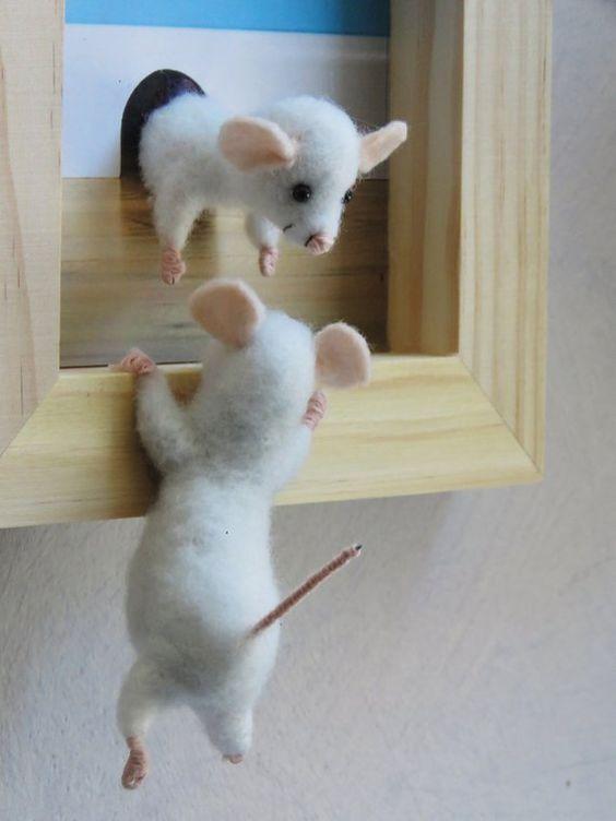 قاب عروسک موش