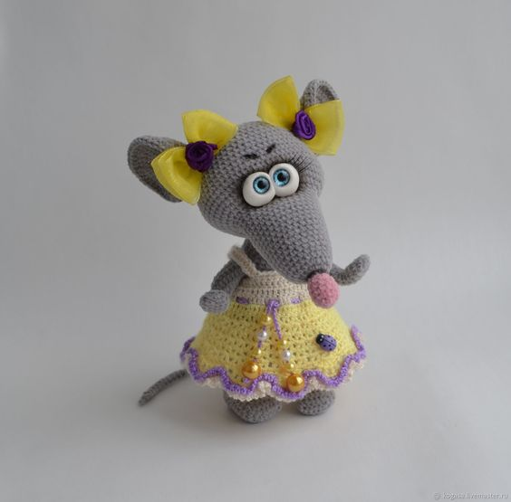 عروسک خانم موش