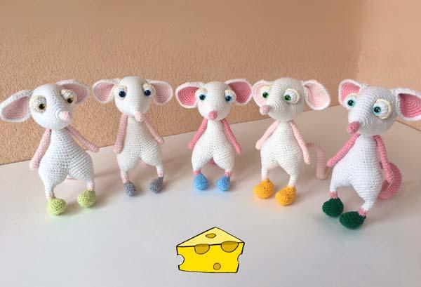 عروسک موش سفید
